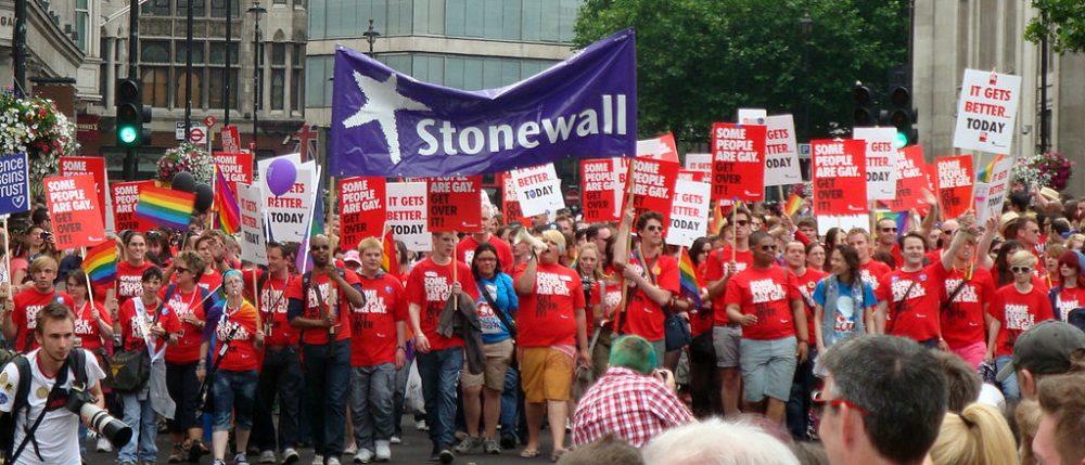 La intolerancia de un movimiento LGTB