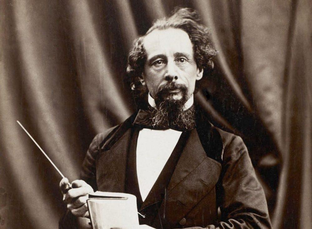 Charles Dickens, fotografiado por Herbert Watkins en 1858 (recortado) Wikimedia Commons