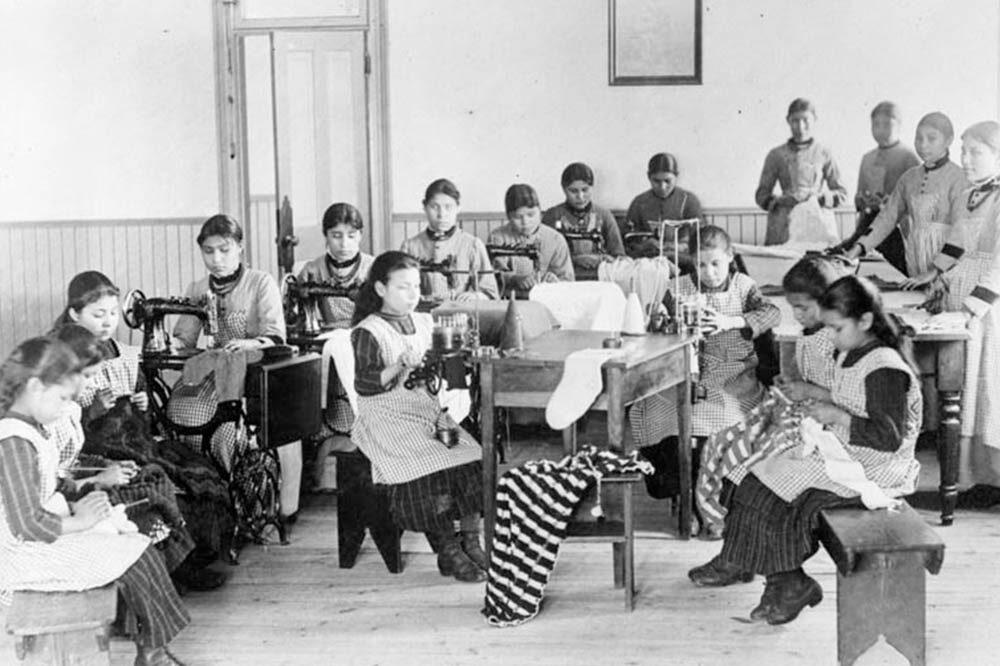 Escuela Residencial India, Territorios del Noroeste CC Librería y Archivos de Canada