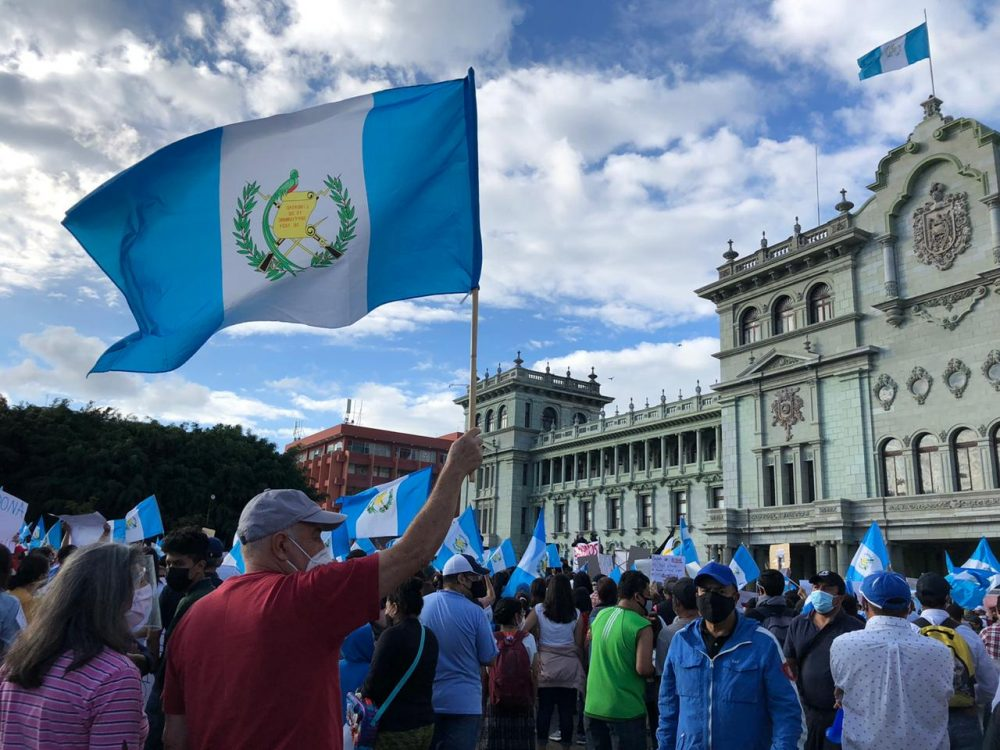 Manifestantes en la Plaza de la Constitución (Ciudad de Guatemala)