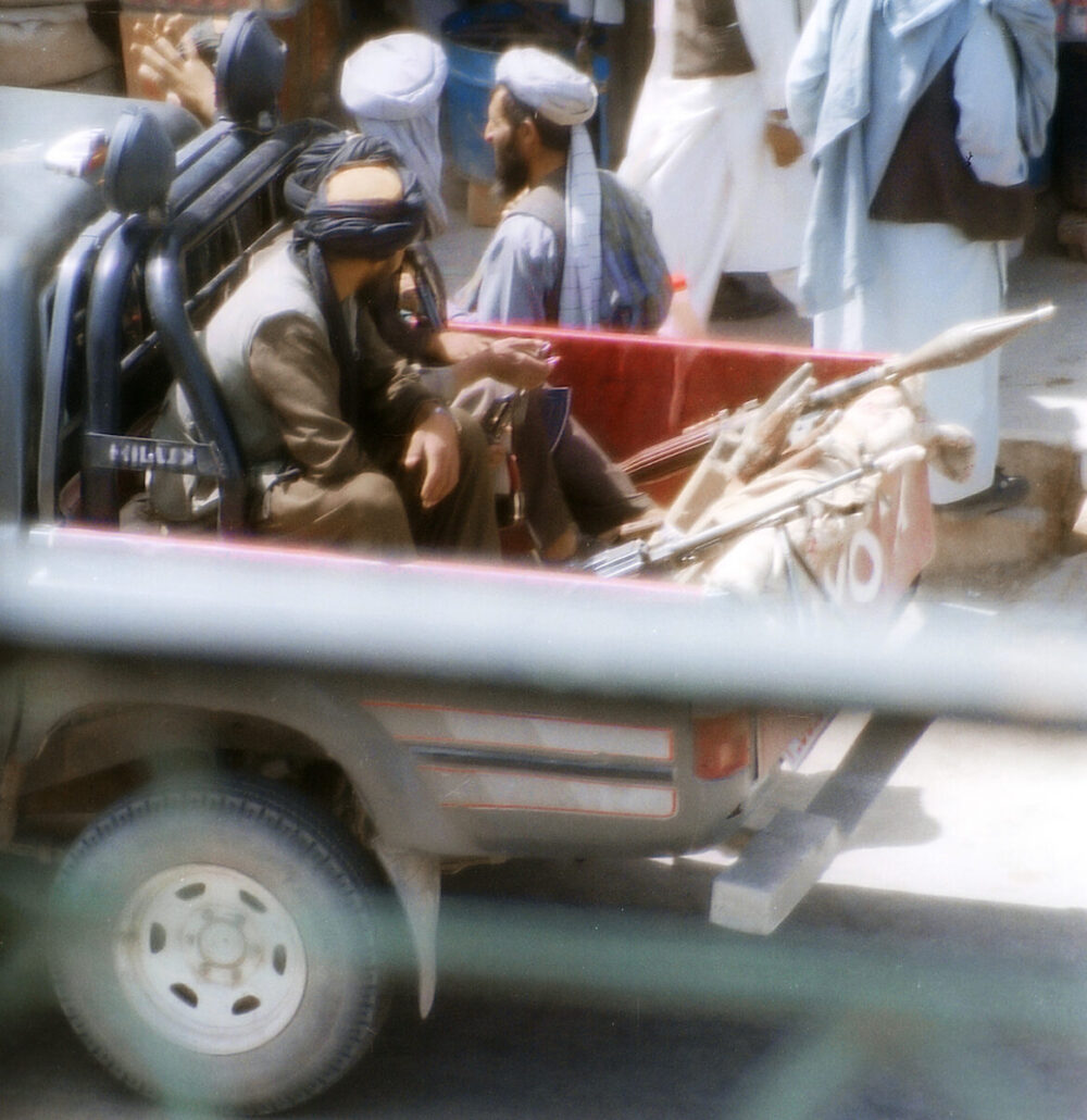 Milicia taliban en Herat-2001