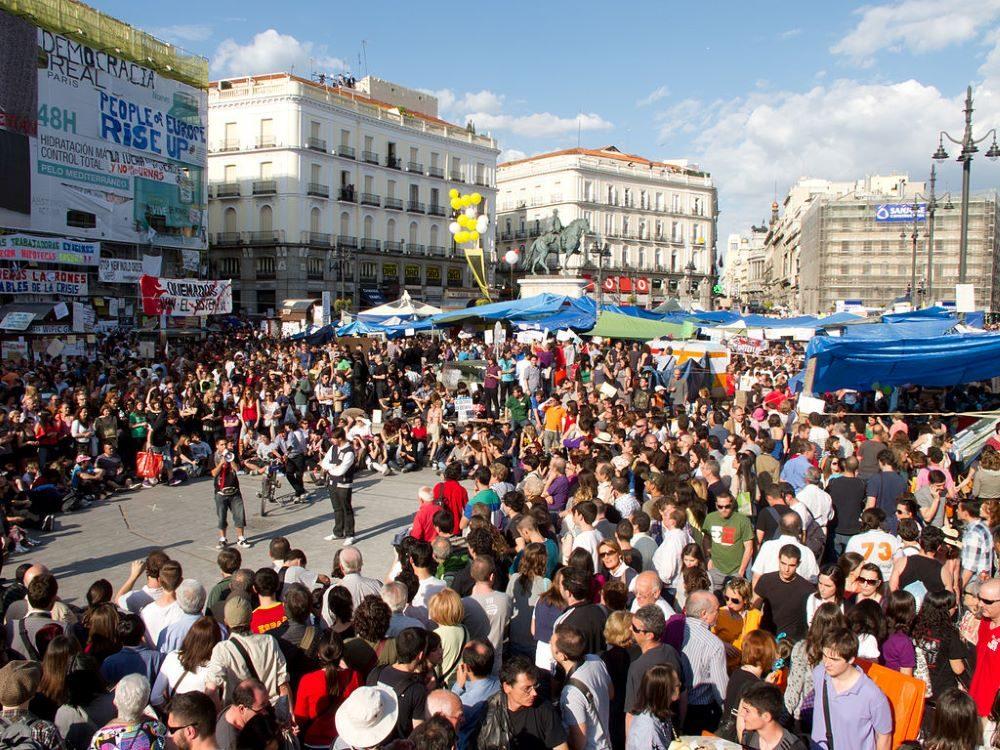 Protestas en la Puerta del Sol de Madrid en mayo de 2011. CC Carlos Delgado