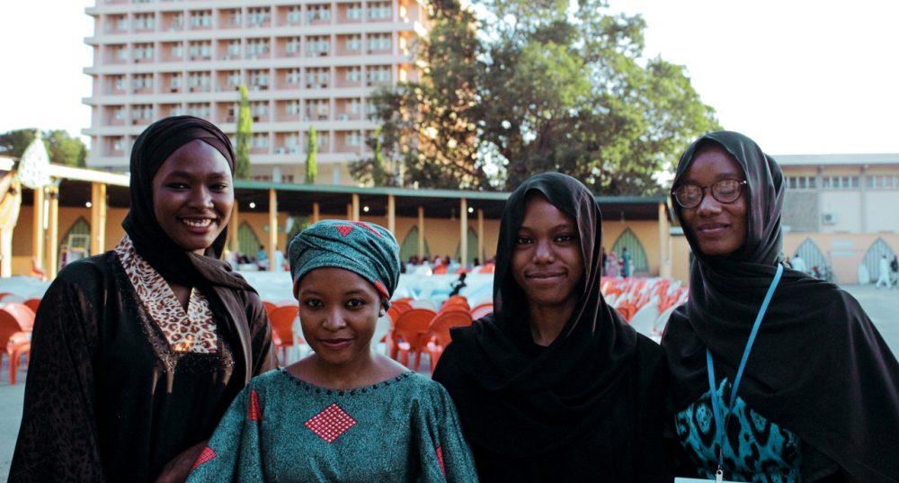 Más jóvenes africanos rumbo al alma mater