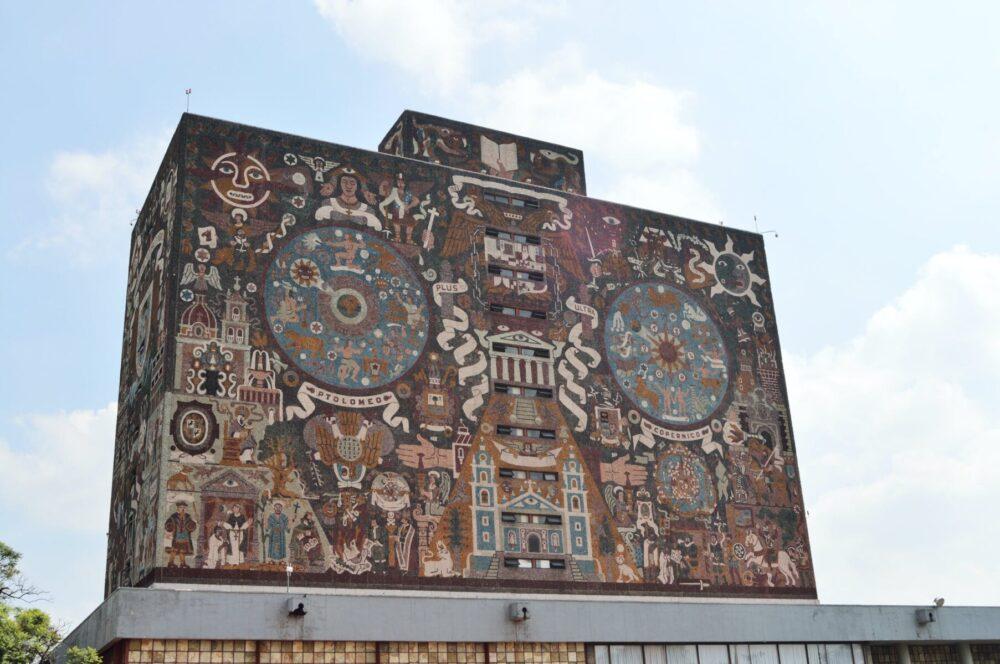 Dos visiones antagónicas de la historia de México